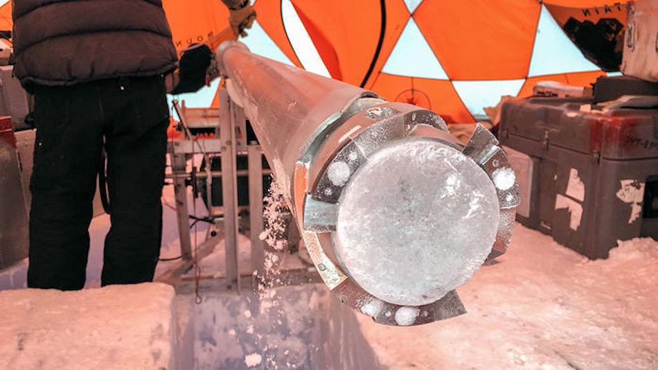 Das Eis wurde auf dem Grundgestein der Allan Hills gefunden, einem Abschnitt des Transantarktischen Gebirges, welches Antarktika in einen West- und einen Ostteiil trennt. Bild: Yuzhen Yan, Princeton Universität