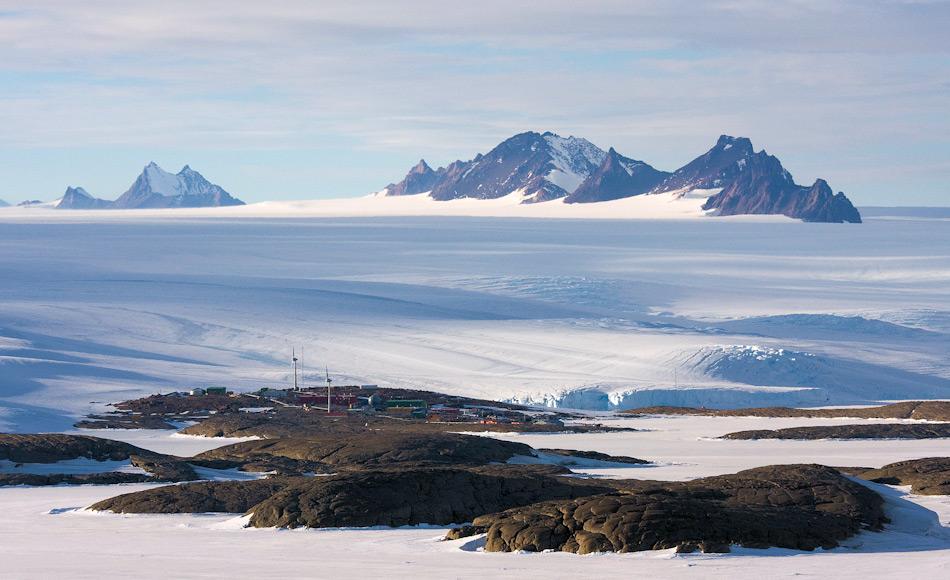 Die Station Mawson ist Australiens erste und am längsten laufende Antarktisstation. Sie wurde 1954 in Betrieb genommen und ist seither ununterbrochen in Betrieb.