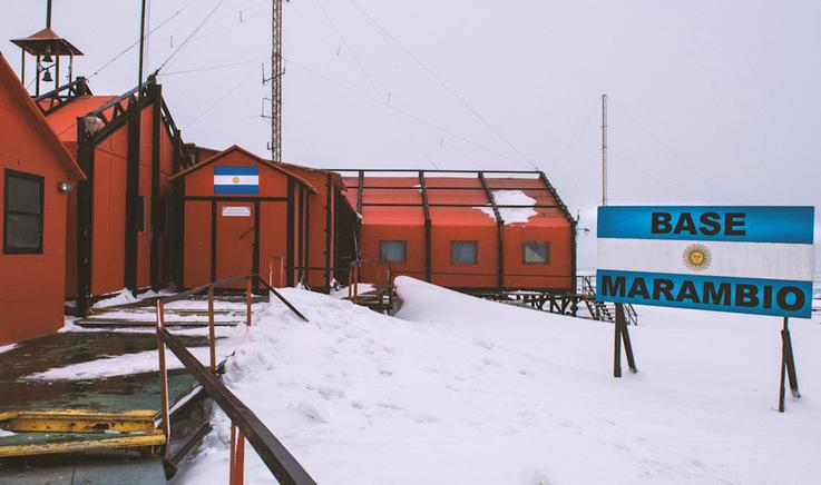 Die argentinische Station Marambio liegt am östlichen Rand der antarktischen Halbinsel und ist die