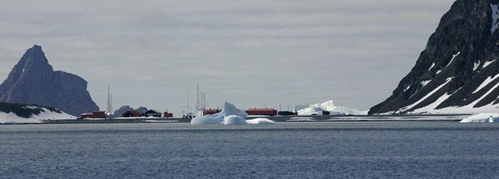 South Orkney Island ist nicht direkt mit der Antarktis verbunden, wird aber unter der Bezeichnung ACBR 2 aufgeführt und gilt als Antarktische Region.