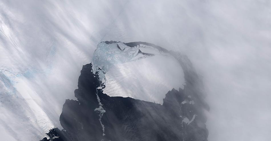 Der am Pine Island Gletscher gekalbte Eisberg hat die Grösse von Singapur. Wird er es bis South Georgia schaffen?