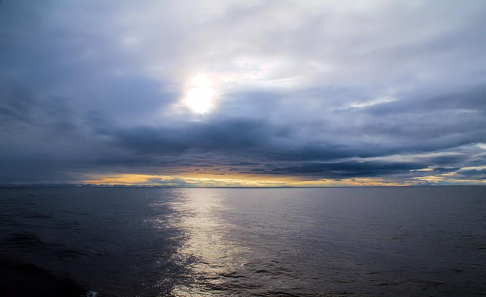 Mehrere Tiefseebecken und Schelfgebiete machen den Untergrund des Arktischen Ozeans aus. Die Schelfgebiete waren oft Landbrücken, die aus dem Ozean einen Süsswassersee gemacht hatten. Bild: Michael Wenger