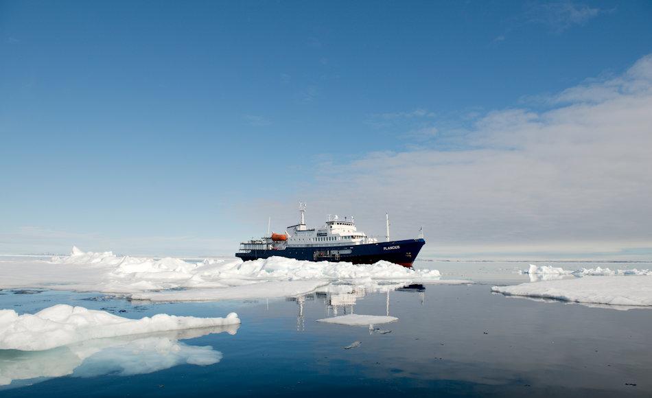 Die Schiffe von AECO-Mitgliedern sind speziell für den Einsatz in den polaren Regionen gebaut worden, um das höchste Mass an Sicherheit für Natur und Mensch zu gewährleisten. Leider gilt dies nicht für alle Kreuzfahrtschiffe, die in die Arktis fahren wollen. Bild: Michael Wenger