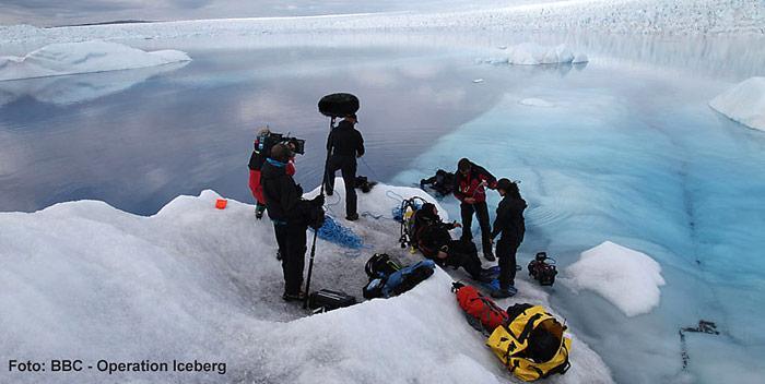 Vorbereitungsarbeiten des Taucherteams zum Film «Operation Iceberg»