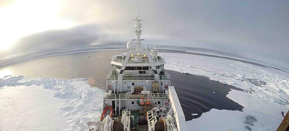 Das Forschungsschiff RV Helmer Hanssen war Teil der Untersuchungen bei Spitzbergen, um die Methankonzentrationen aus dem Meeresboden zu messen. Bild: Thomas Wenncke