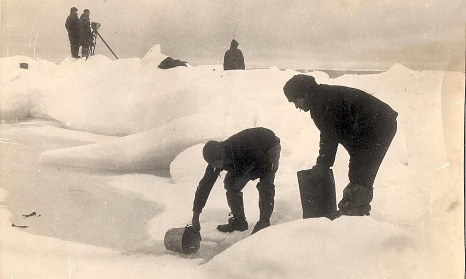Während der Expedition wurden wissenschaftliche Daten und Proben aus dem Eis und der Tiefe gesammelt.