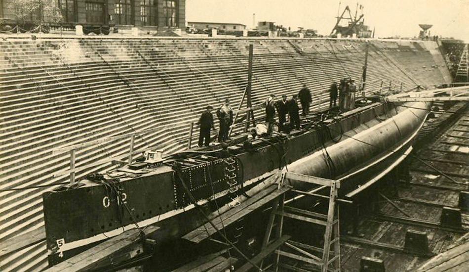 Beim Umbau wurden alle militärischen Komponenten entfernt und die Nautilus auf die Polexpedition vorbereitet.