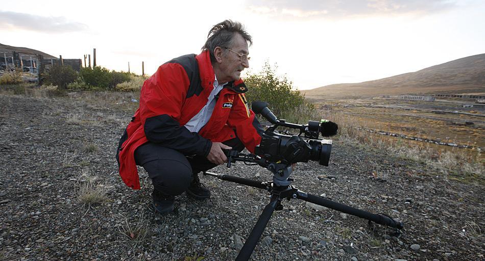 Werner Breiter vom PolarNEWS-Filmteam bei Dreharbeiten zum Film «Chukotka» im Sommer 2010.