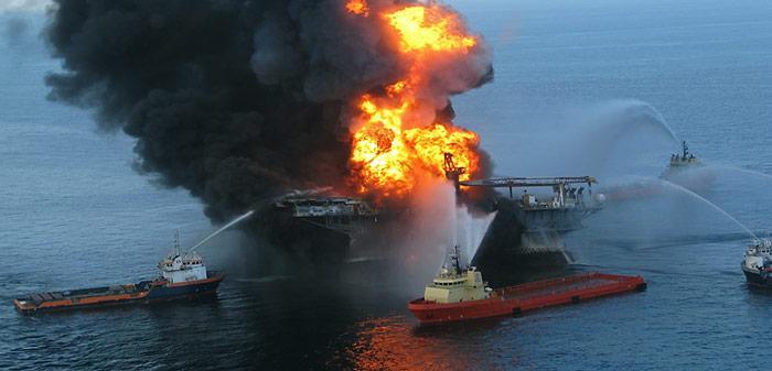 Am 20. April 2010 kam es infolge verschiedener gravierender Versäumnisse zu einem schweren Zwischenfall, bei dem die Plattform in Brand geriet und zwei Tage später unterging.