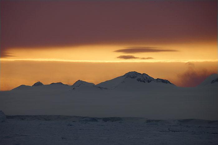 PolarNEWS_Kaiserpinguine_Snowhill_002