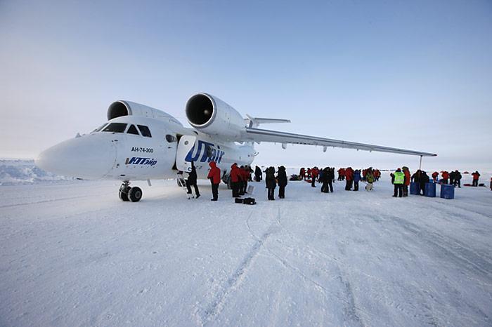 005_Antonov-74_Barneo